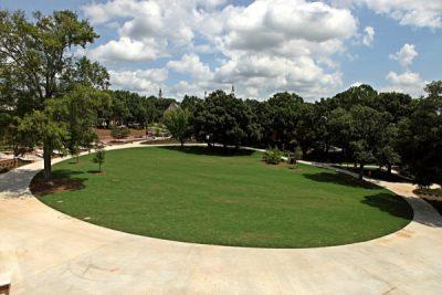 Cruz Plaza